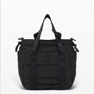 Lululemon dash all day bucket bag